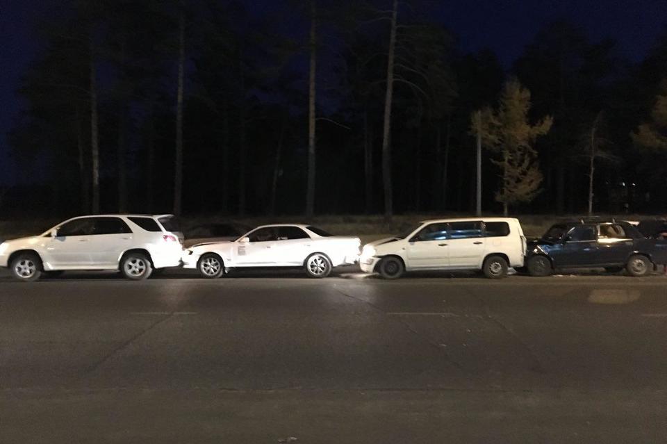Появились фото массового ДТП на улице Шилова в Чите с участием четырёх автомобилей