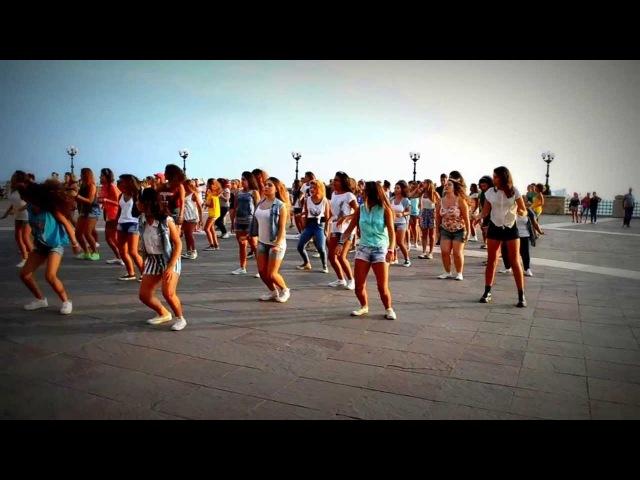 FLASH MOB ONE DIRECTION | Taranto