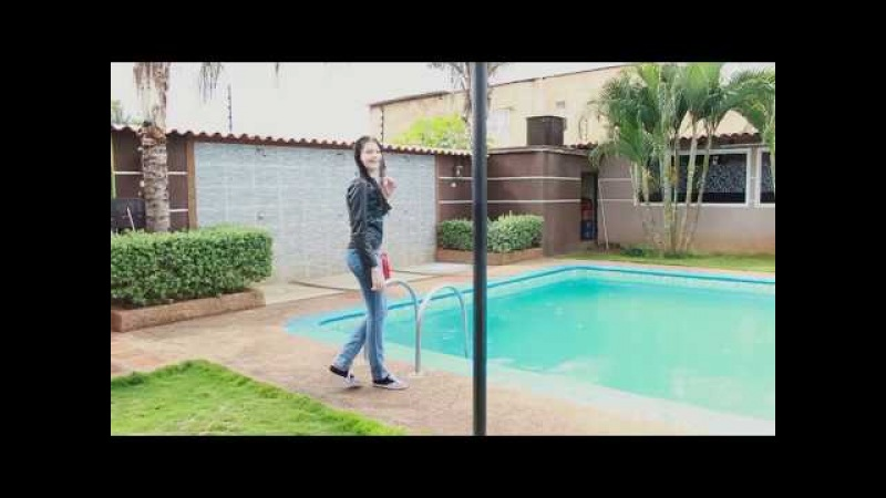 NEW VIDEO Swimming in the pool with rain (Gaby) | Pixel Creativo