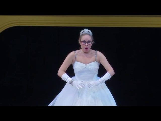Elena Maximova, La Cenerentola, Nacqui all'affanno, Non più mesta