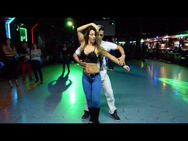 Супер Классный Танец!! Sexy Dance Bachata Axel Maria ❤