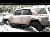 Nissan Pathfinder vs Toyota 4Runner mudding