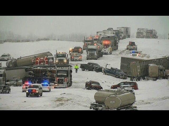 Массовые Аварии грузовиков и легковых авто зимой.