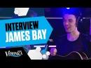 'Dit is geen muziek voor een jongen met een hoed.' | interview James Bay [NL SUBS] Live bij Giel