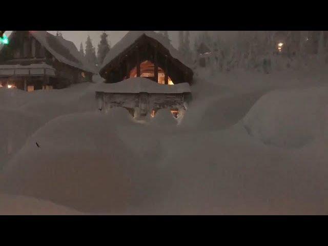 Сильный снегопад на канадском горнолыжном курорте, расположенном на горе Вашингтон, 21.01.2018