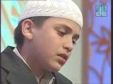 Маленький казах красиво читает Коран в Дубае