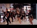 флешмоб для магазина INGLOT Ученики и преподаватели Кубинской школы танцев Buena Vista