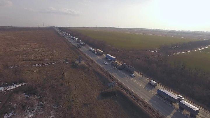 Пробка в Каменском районе перед Лиховским мостом 28 марта 2018 года