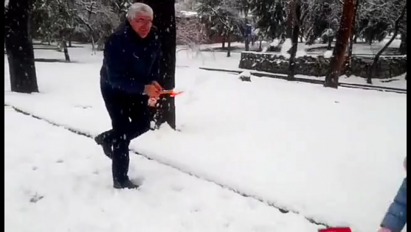 Снег. Владикавказ.