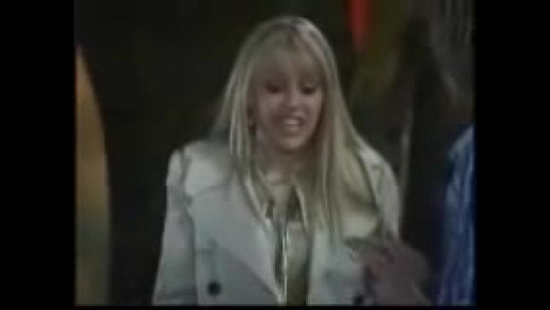 Miley_tells_Jake_she_s_Hannah_Montana_Achy_Jakey_Heart_