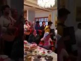 «Православный блатняк»: священник в ресторане спел песню «Мурка»