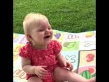 Заразительный смех малышей