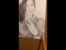 Чёрно - белый портрет симпатичной девушки с бокалом вина 👩🏻🍷, в карандаше ✏️ 👌🤗