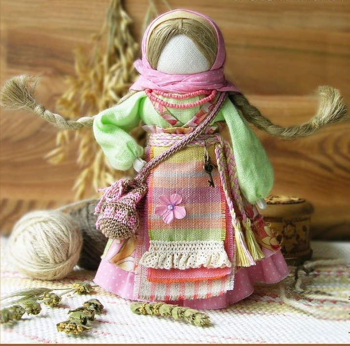 Как сделать куклы-обереги из ткани: инструкция для начинающих с пошаговым описанием