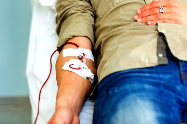 Донор во время очередной сдачи крови неожиданно умер