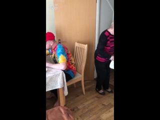 Война пранков между бабулей и внуком