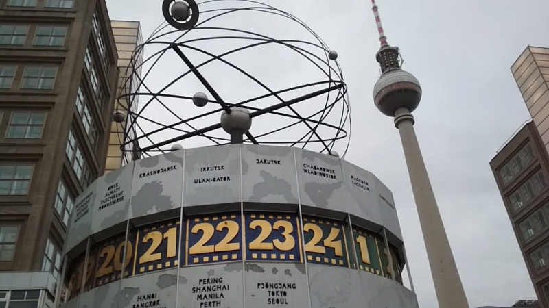Berlin_Alexanderplatz_20171225_145713.mp4