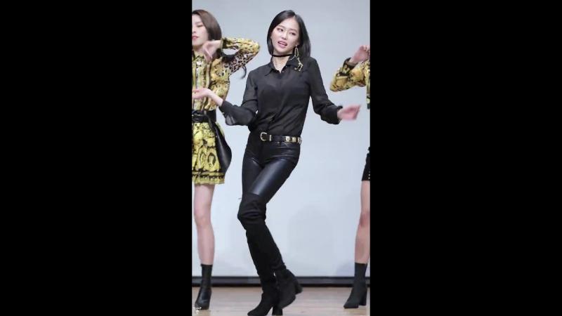 [4K] 180225 CLC 예은 직캠 (Crystal Clear⁄장예은) - BLACK DRESS(블랙드레스) @미니앨범 팬사인회⁄Fancam By 쵸리(Chori)