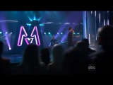 Maroon_5_feat_Christina_Aguilera_-_Moves_Like_Jagger_(2011_AMAs)1