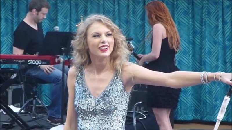 Taylor Swift - The Story Of Us (Live on The Allure of The Seas 2011)