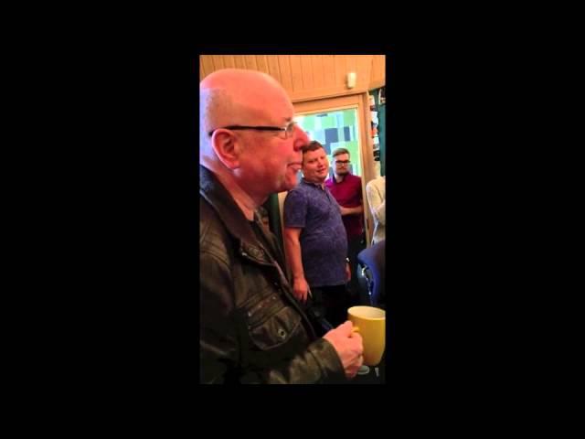 Dan McCafferty слушает песню Hey Dan Pushking Community