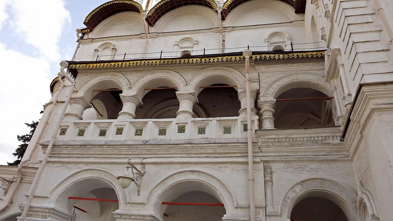Северный фасад Патриаршего дворца с арочной галереей, 2014. Источник: Никита Андреев