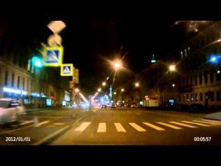 2015.10.02 СПб, Измайловский мост. Отморозок на дороге
