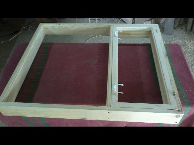 Простое деревянное окно Simple wooden window