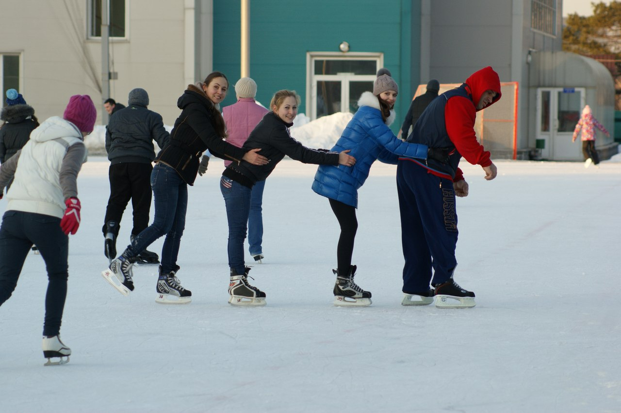 Denis Cyplenkov ice skating train with his girlfriend, Anastasia Goncharenko, Anna Goncharenko │ Photo Source: Denis Tsyplenkov