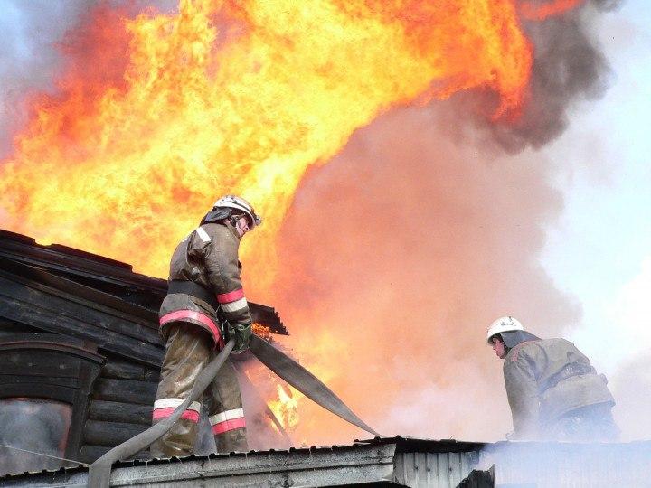 Под Таганрогом в ДНТ «Подшипниковец» горела дача