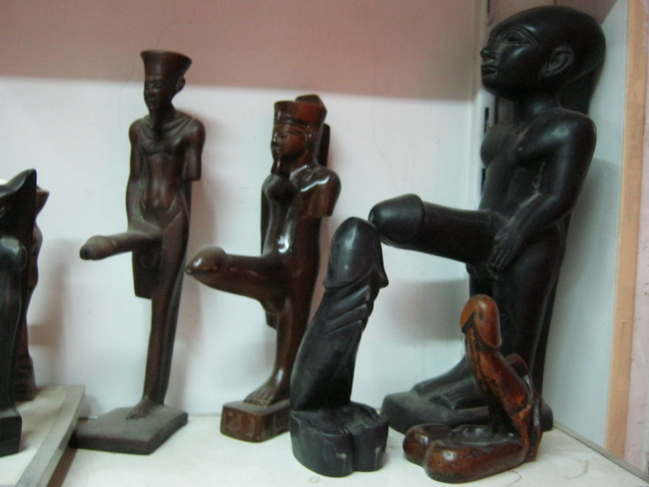 забавные сувениры в Асуане