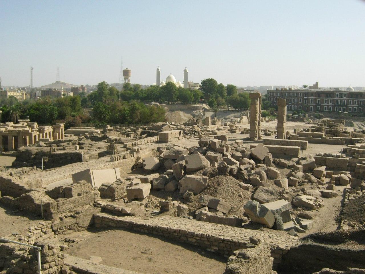 руины древнего города на острове Элефантине (в Асуане)