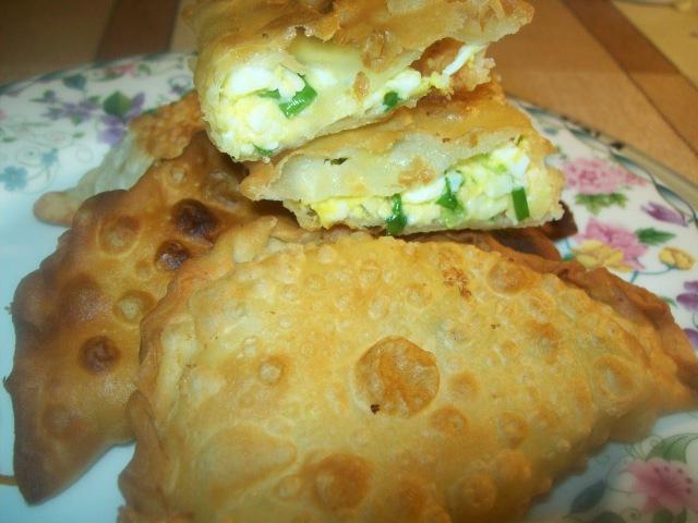 Чебуреки с зеленым луком, яйцом и сыром - Светлана Чернова