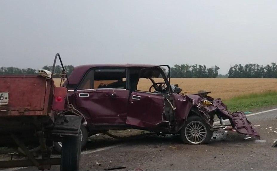 ГИБДД Ростовской области: Один из участников тройного ДТП под Таганрогом скончался в БСМП