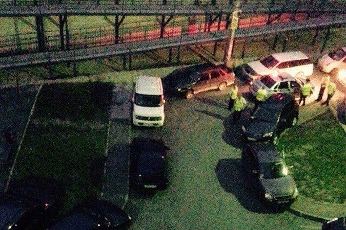 В донской столице водитель Mitsubishi сбил полицейского и протаранил несколько машин. ВИДЕО