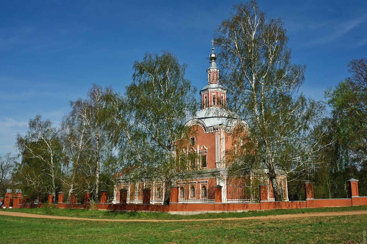 Церковь в селе Шерья