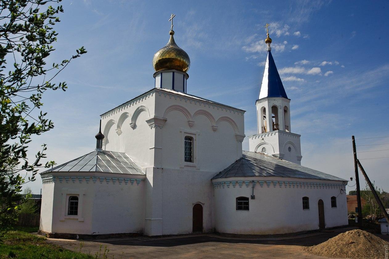 Церковь в селе Обвинск