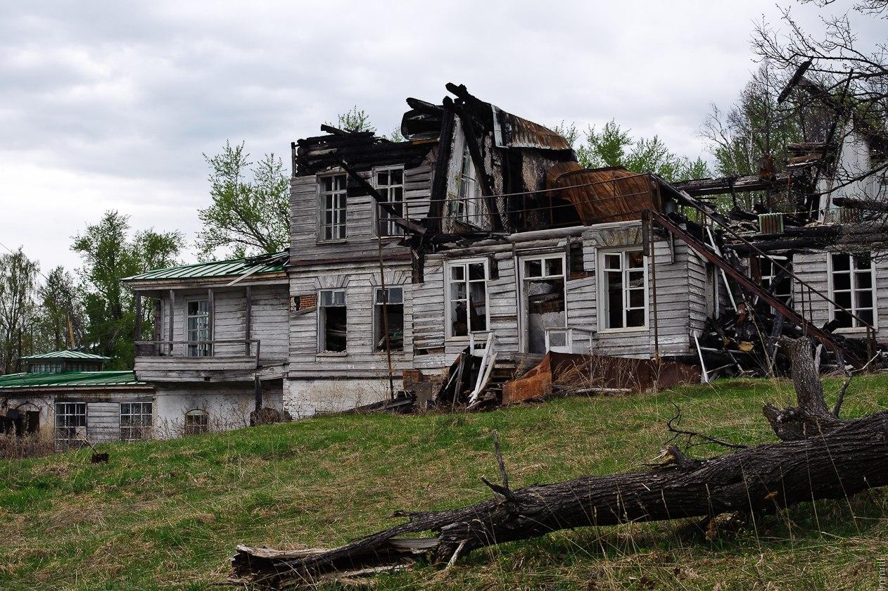 Пожва. Руины дома заводовлаельцев (1813 год)