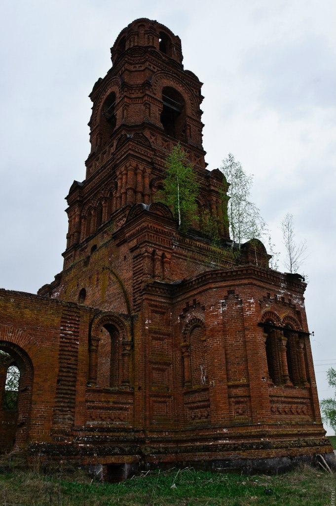Недостроенная церковь в  Майкоре