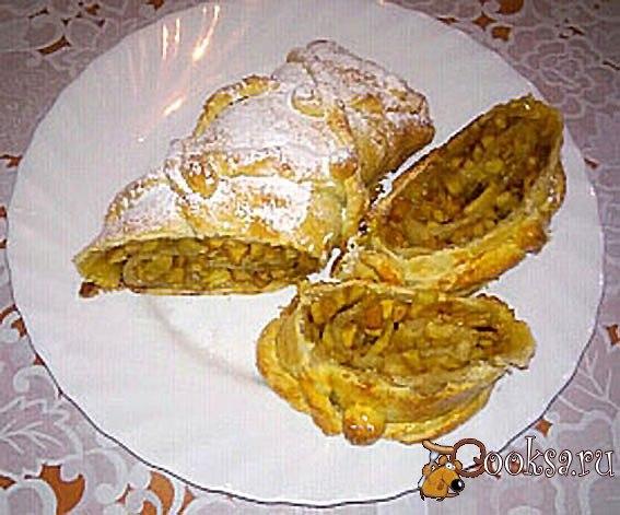 Рулет с яблочно-ванильной начинкой Рулет с яблочно-ванильной начинкой тает во рту, а также прост в приготовлении!