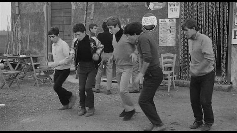 Uccellacci e uccellini (1966) - Танец (Scuola di ballo al sole)