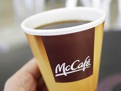 """""""Макдоналдс"""" выплатит москвичу 320 000 руб. за пролитый на его ребенка кофе"""