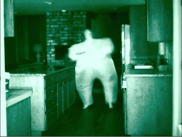 Толстый призрак попался на плёнку