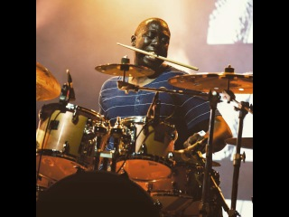 Snarky Puppy - Larnell Lewis' Solo (What About Me?) Jazz à Vienne 2015