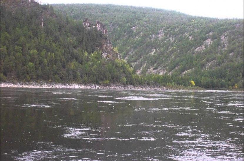 На реке Олекма продолжаются поиски пропавших рыбаков из Амурской области