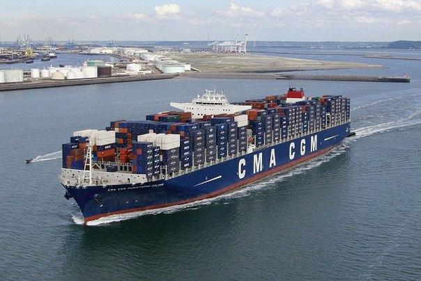 Согласно результатам исследований, один крупный контейнеровоз выпускает в окружа...