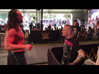 Кори Тейлор фронтмен Slipknot / Stone Sour бьет пощечину рестлеру Барону Корбину на NXT Aftershock Festival