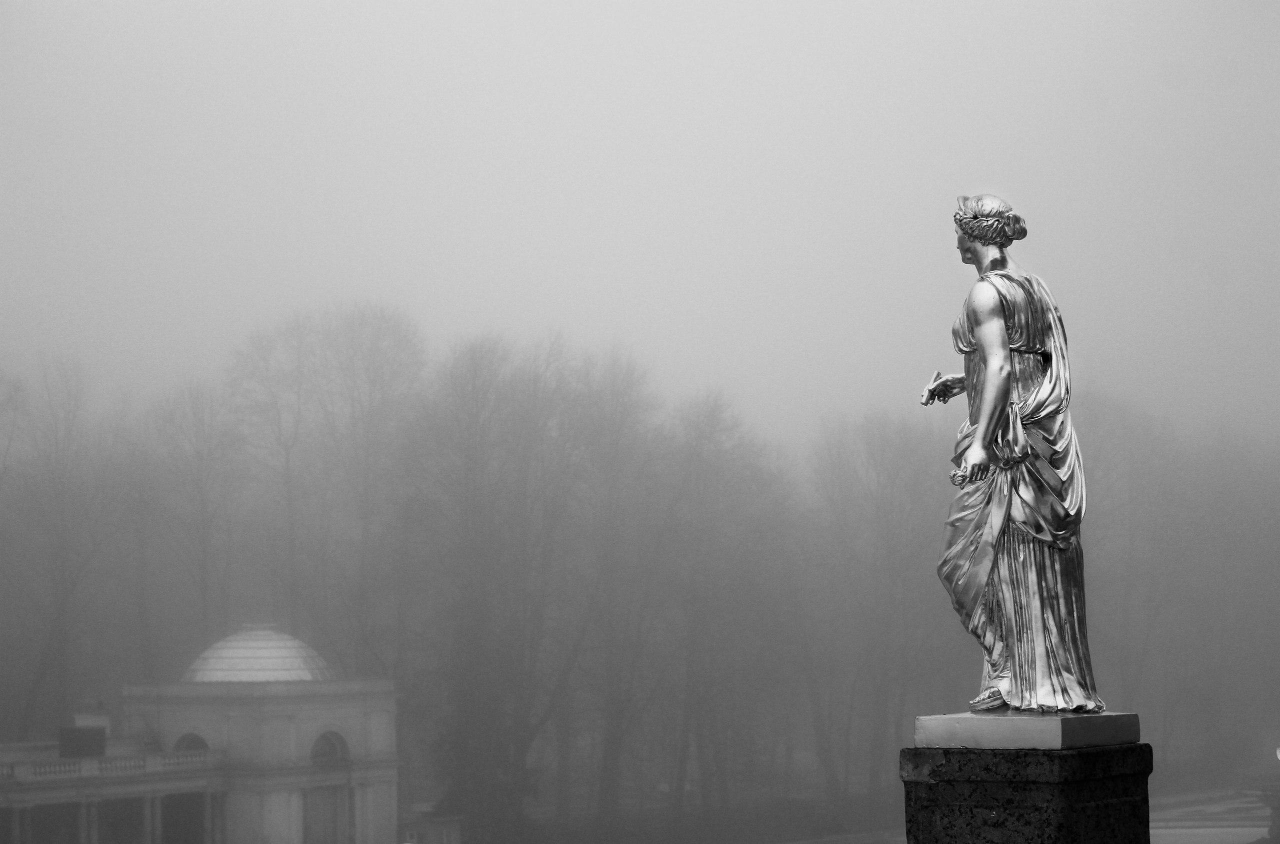 Петергоф, Нижний парк, туман, Воронихинская галерея, Большой каскад