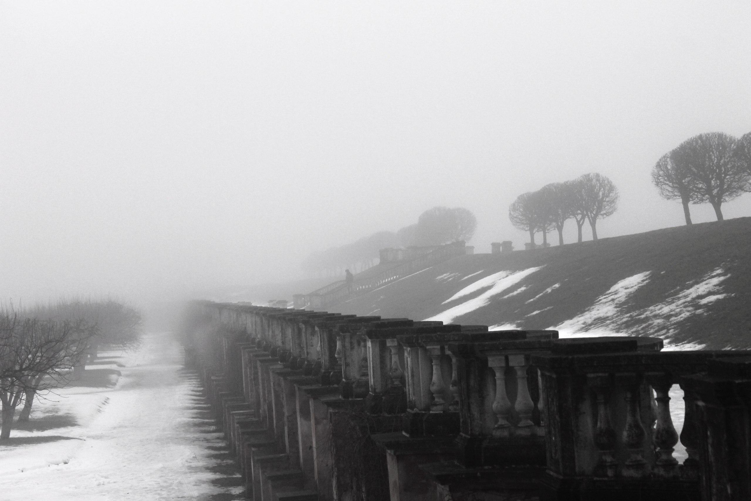 Петергоф, Марлинский вал, туман