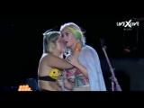 Пьяная фанатка расцеловала Кэти Перри прямо на сцене - Rock in Rio 2015